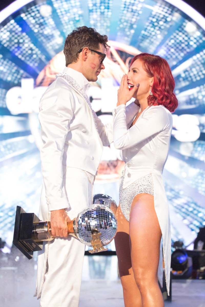 bobby-bones-sharna-burgess-win-dwts