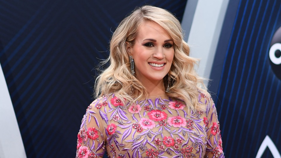carrie-underwood-jokes-that-fitting-into-non-maternity-gowns-is-the-hardest-part-of-award-shows