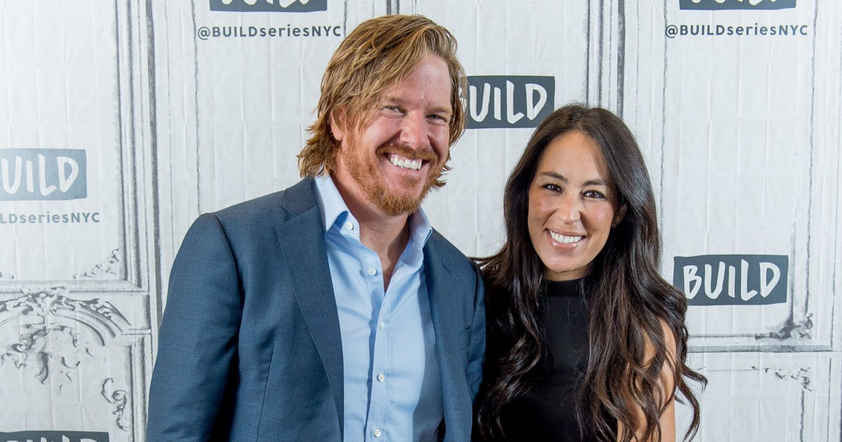chip and joanna gaines discuss possible return to 39 fixer upper 39. Black Bedroom Furniture Sets. Home Design Ideas