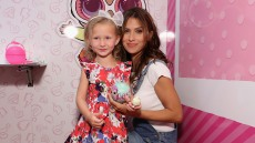 hilaria-baldwin-says-she-cheers-her-kids-up-by-squeezing-the-bad-mood-out
