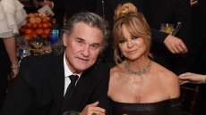 kurt-russell-and-goldie-hawn-love-spending-christmas-with-their-family-exclusive