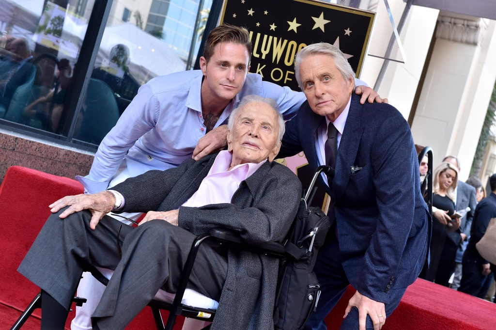 michael-douglas-cameron-douglas-kirk-douglas-hollywood-walk-of-fame