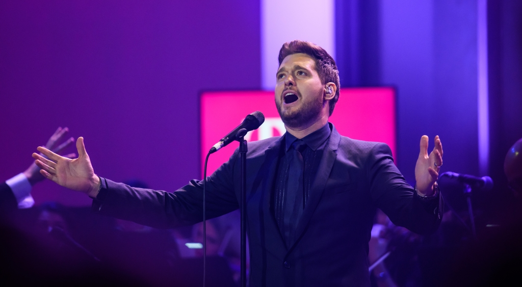 Michael Buble Performing