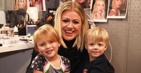 Kelly-Clarkson-Kids