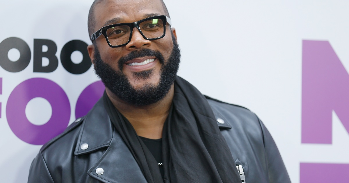 Tyler Perry Pays Off $430K Of Walmart Layaways For Christmas: 'Go Get Your Stuff!'