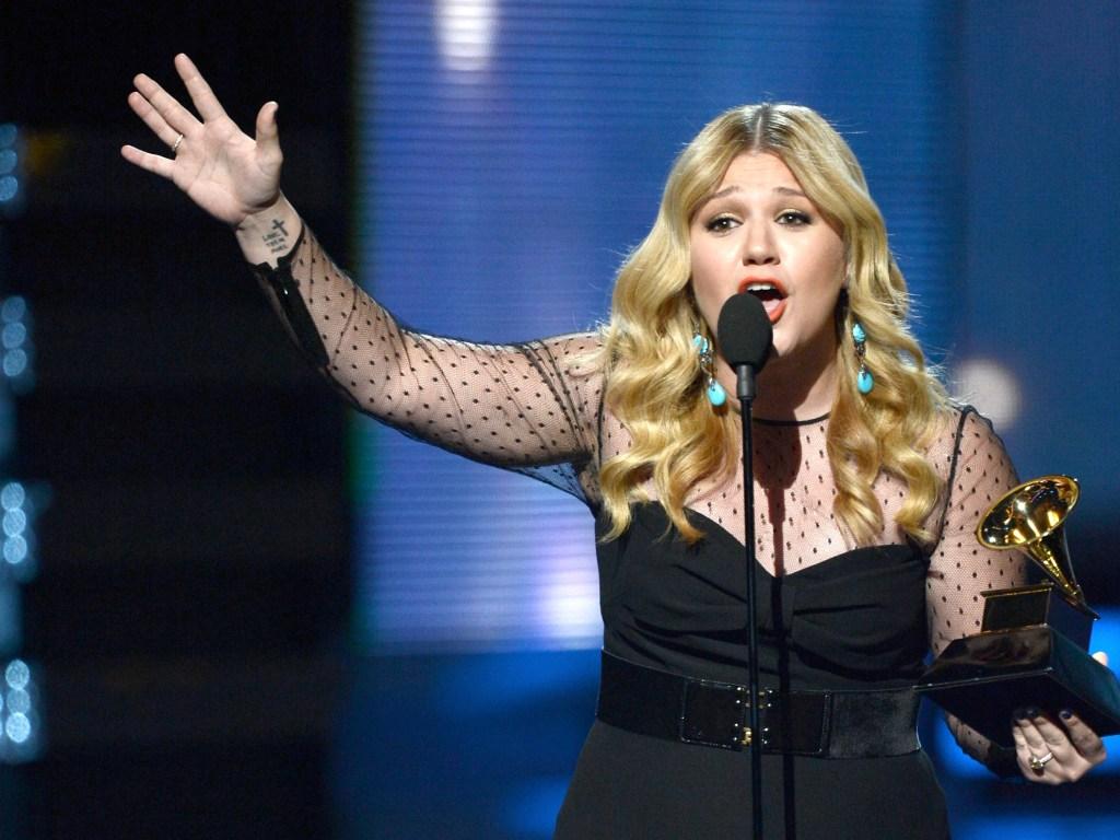 Kelly Clarkson Grammys