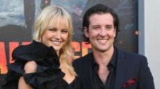 malin-akerman-marries-fiancee-jack-donnelly-during-romantic-beach-ceremony