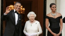 michelle-obama-barack-queen-elizabeth