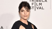 selma-blair-geezer-premiere-tribeca-film-festival-black-dress