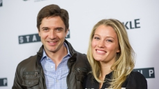Ashley-Hinshaw-topher-grace