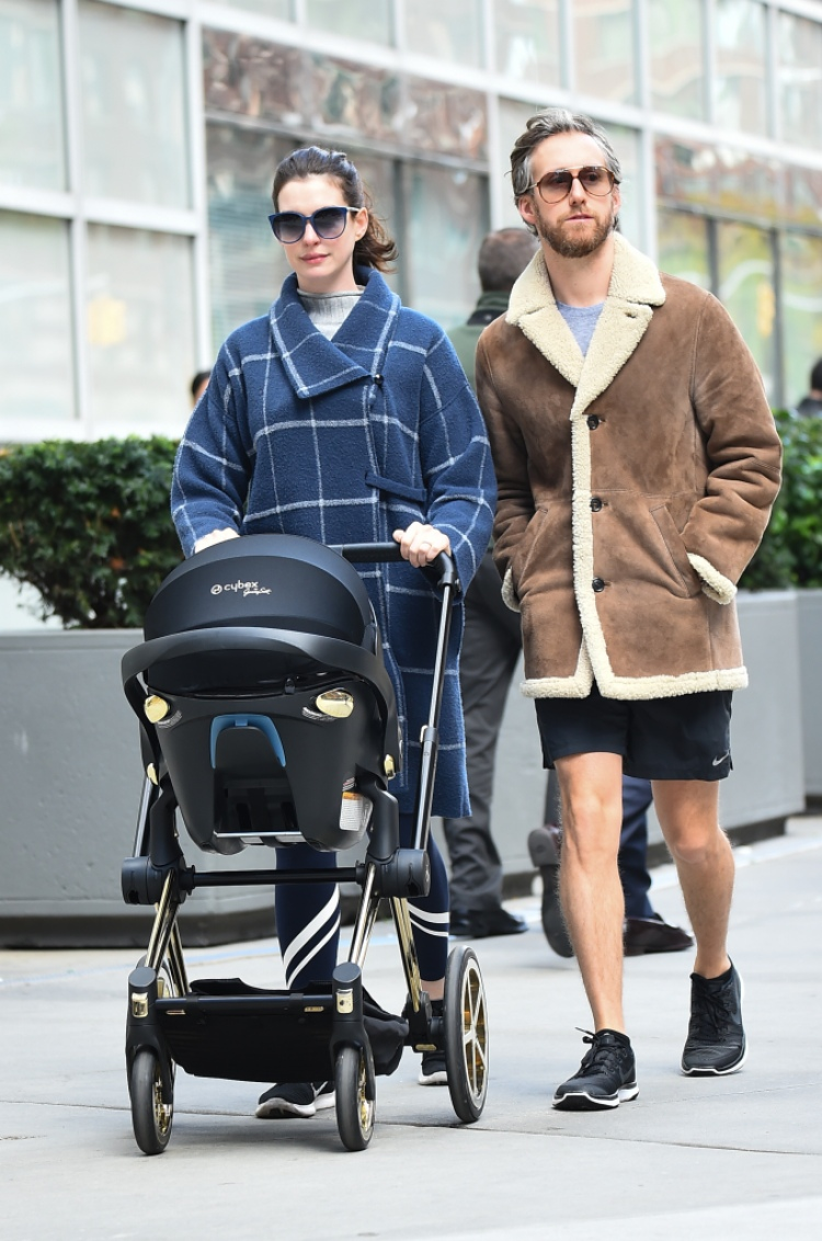 anne-hathaway-son-johnathan-adam-shulman-sighting-nyc