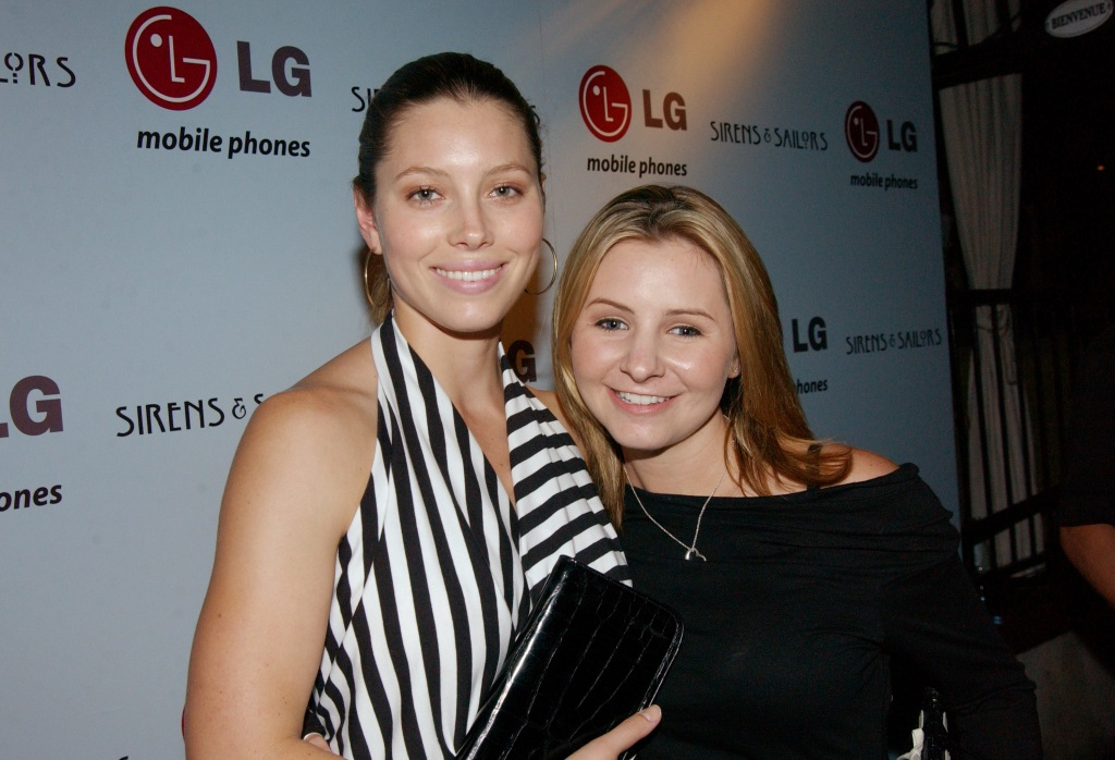 Jessica Biel and Beverley Mitchell helped LG Mobile Phones celebrate Sirens