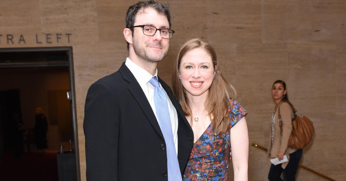 975cfd5a9ed Chelsea Clinton Announces She s Pregnant With Baby No. 3