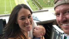 joanna-gaines-chip-gaines-crew-gaines-football-game