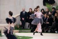 kaia-gerber-chanel-runway-paris-fashion-week