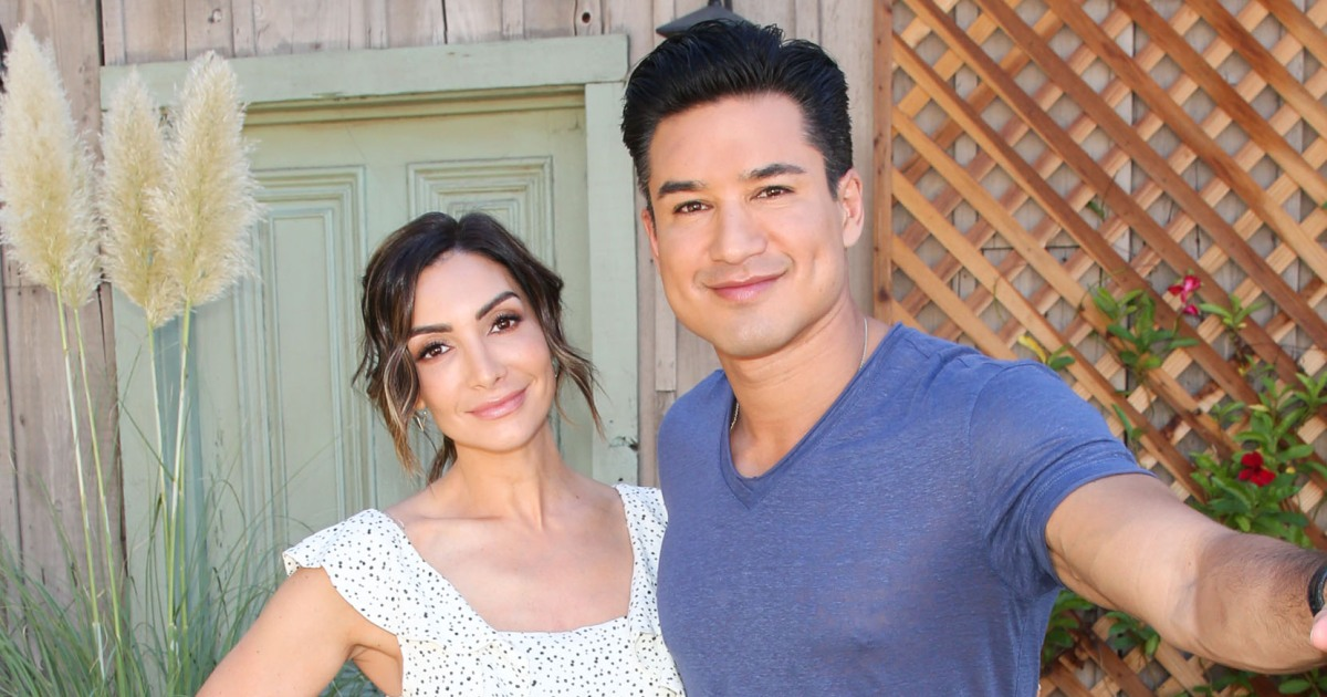Mario Lopez Gushes About Pregnant Wife Courtney S Sexiness