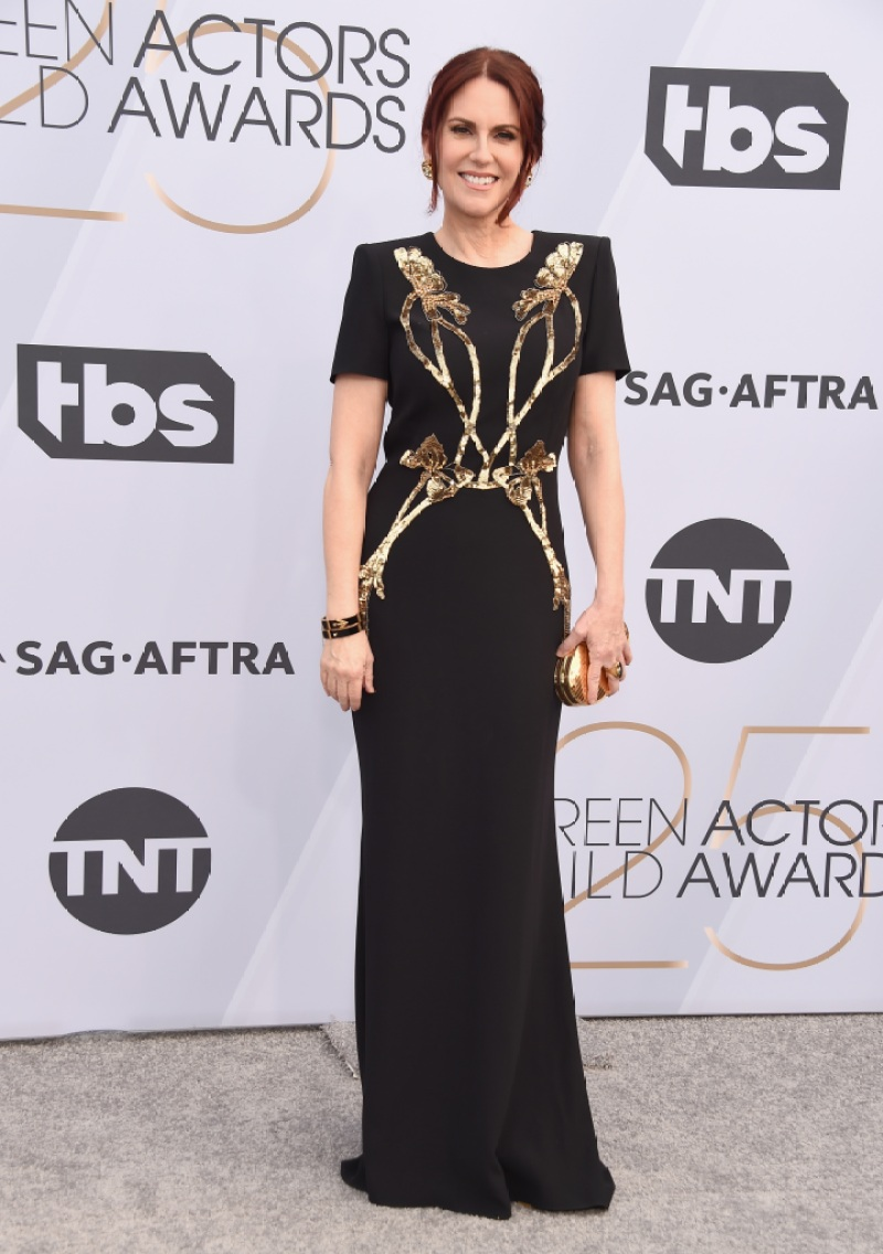 megan-mullally-sag-awards-black-gown