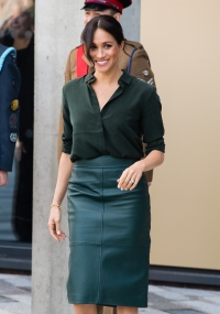 meghan-markle-green-outfit-visit-to-sussex