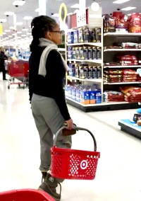 meghan-markle-mom-Doria-Ragland-shopping-target