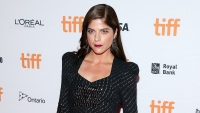selma-blair-black-dress-toronto-international-film-festival-2017