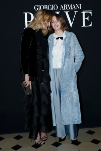 uma-thurman-maya-thurman-giorgio-armani-paris-fashion-week