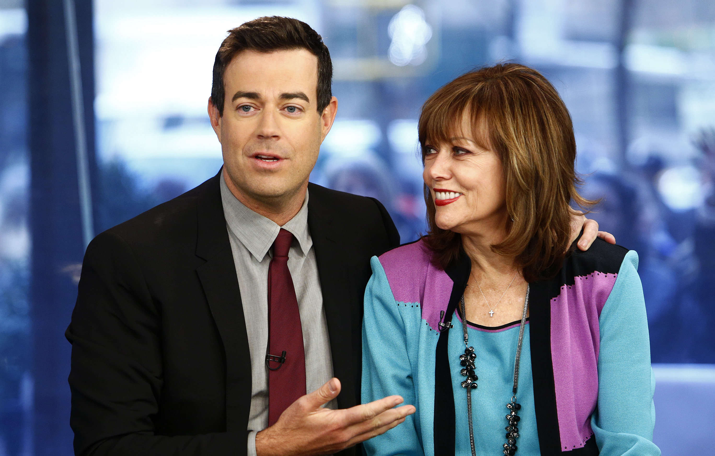 Carson Daly Never Saw His Mother's Fatal Heart Attack Coming: 'The Hurt Was So Strong'