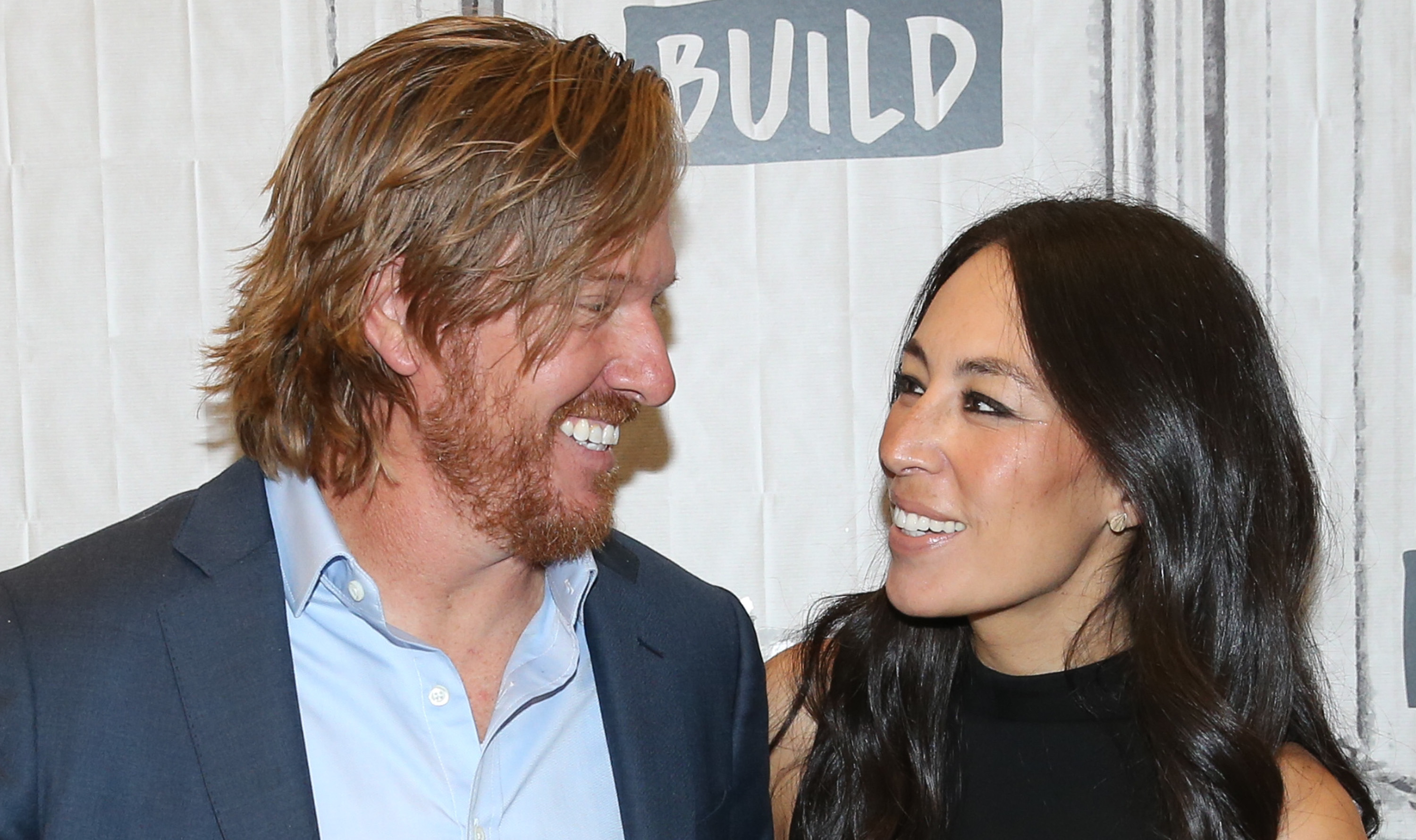 Chip Gaines Leaves Romantic Message on Silo for Wife Joanna — See the Lovely Photo!
