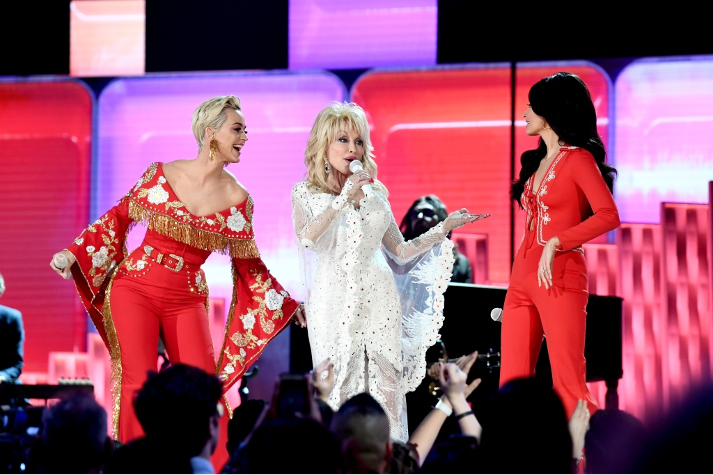 Katty Perry, Dolly Parton, and Kacey Musgraves perform onstage during the 61st Annual GRAMMY Awards