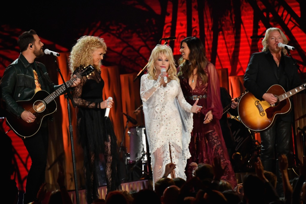 Jimi Westbrook, Kimberly Schlapman, Dolly Parton, Karen Fairchild and Philip Sweet perform onstage during the 61st Annual GRAMMY Awards