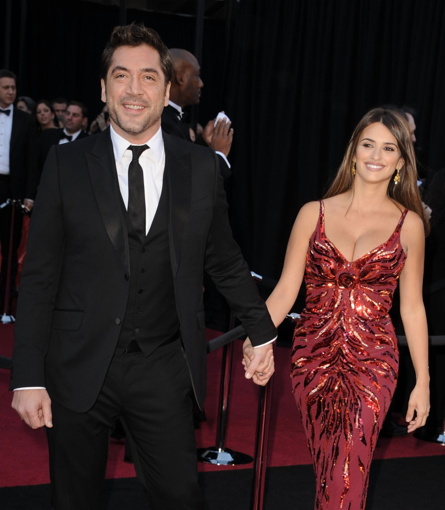 Actors Javier Bardem and Penelope Cruz arrive at the 83rd Annual Academy Awards