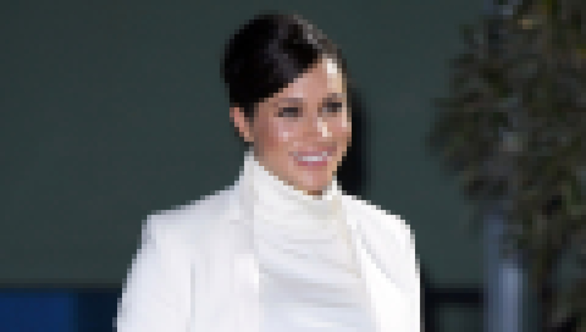 meghan-markle-white-dress-white-coat-gala