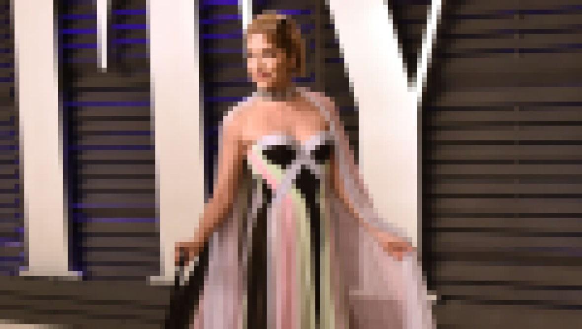 Selma Blair attends the 2019 Vanity Fair Oscar Party
