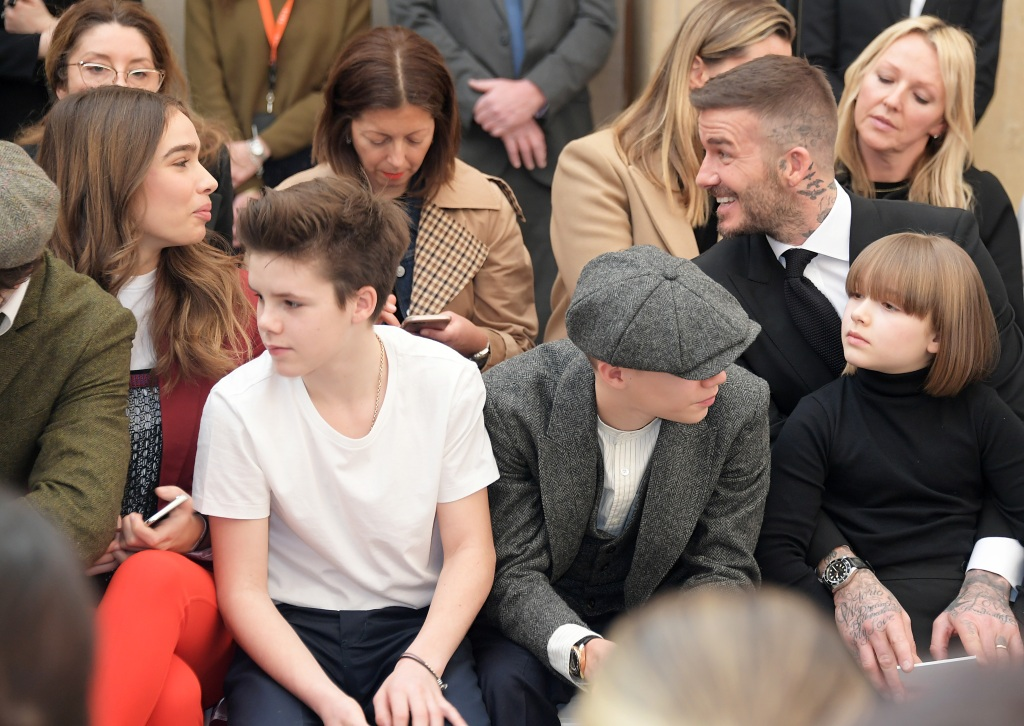 victoria beckhams family attend her london fashion week show