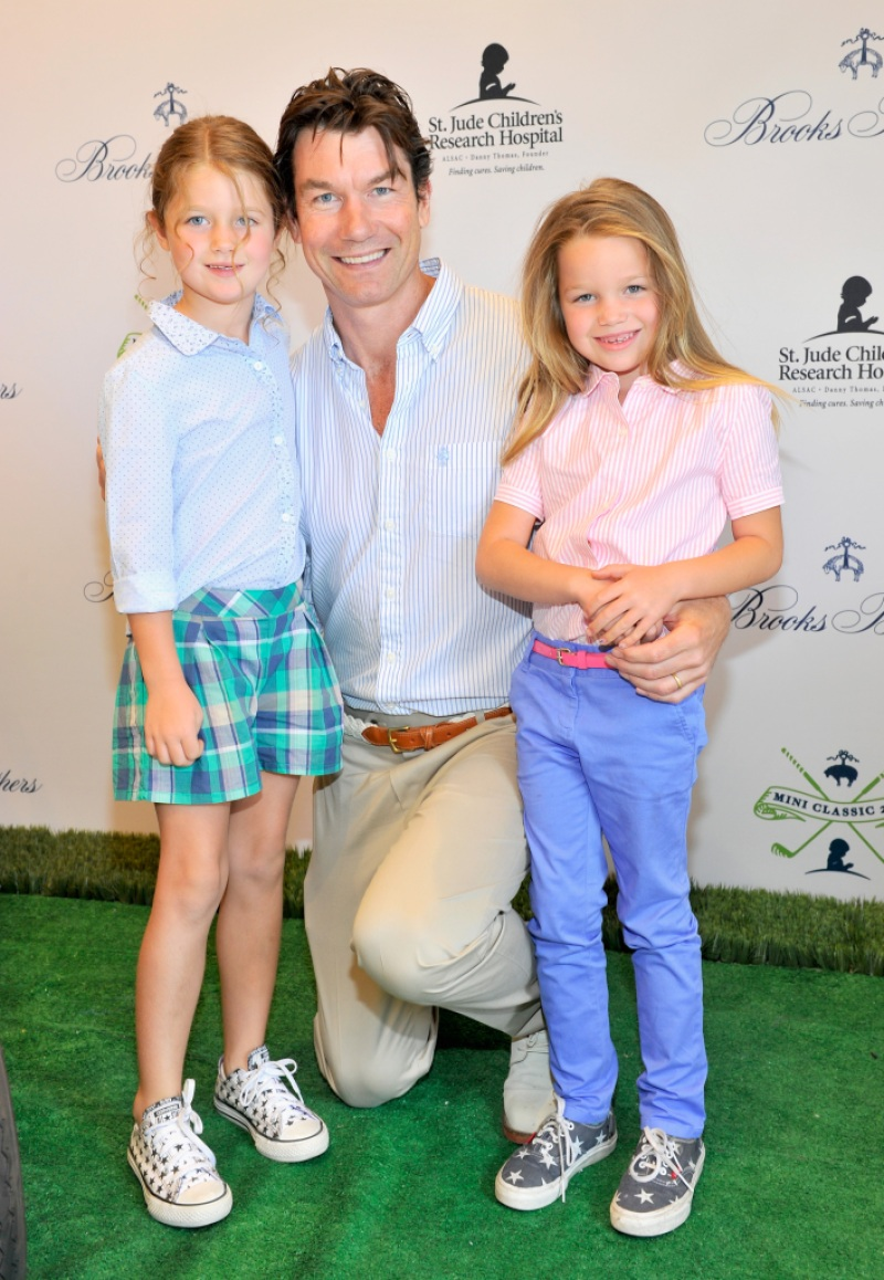 Jerry O'Connell and family