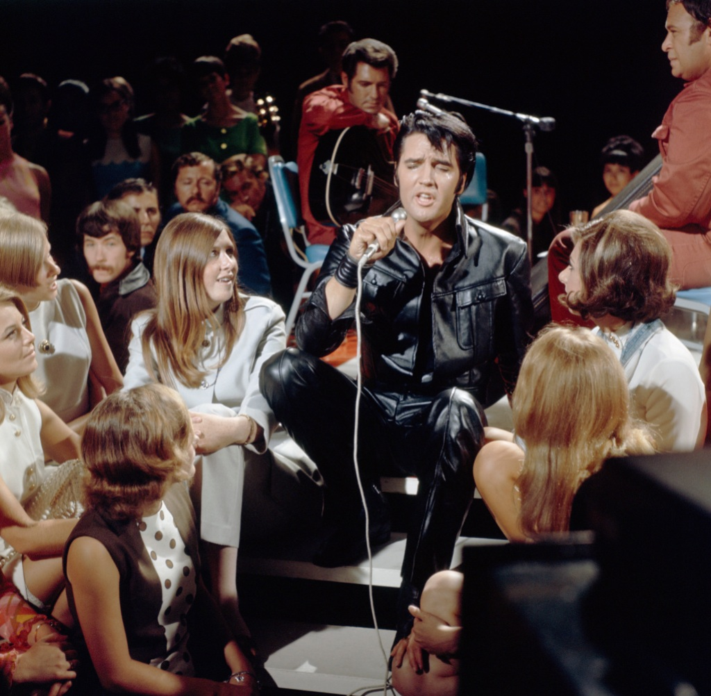 elvis-and-the-fans
