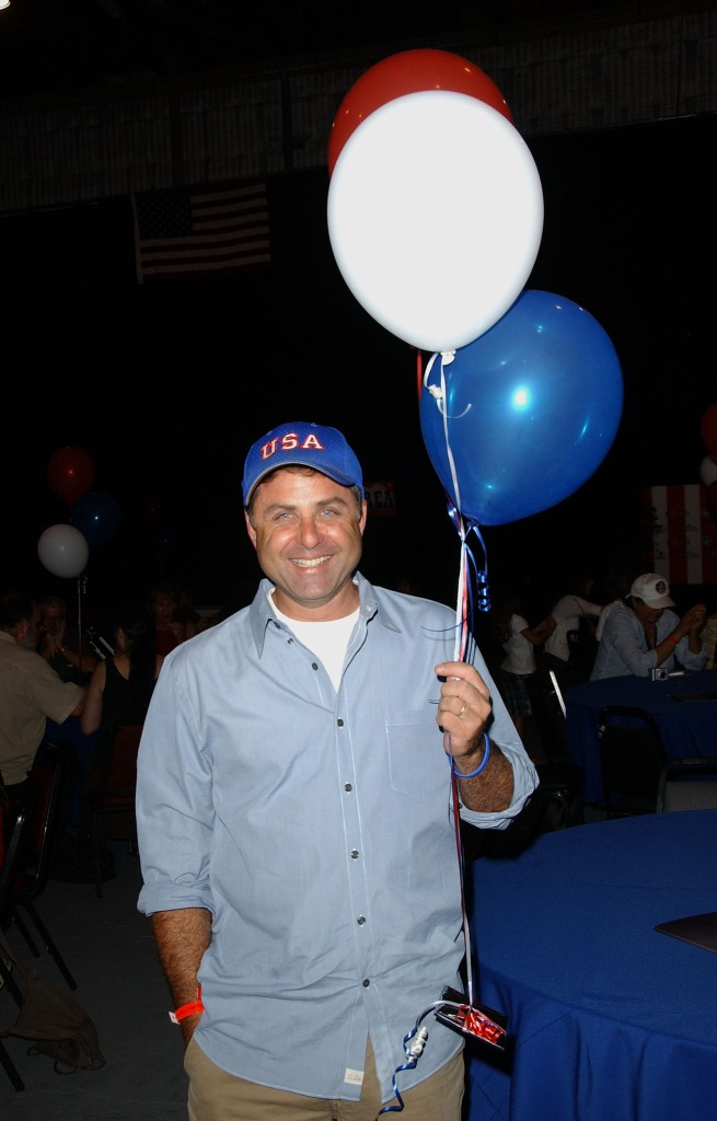 mark-l-walberg-with-balloons