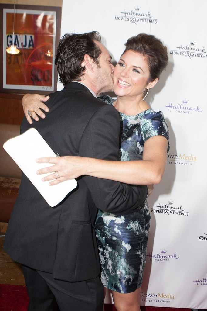 """Luke Perry (L) and Tiffani Thiessen arrive for the Hallmark Channel Presents """"Northpole"""" Premiere Screening"""