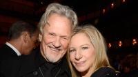 Barbra-Streisand-Kris-Kristofferson-40th-annual-chaplin-gala-honoring-barbra