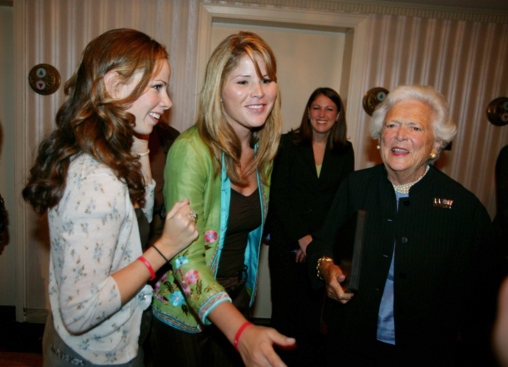 Jenna Bush and Barbara Bush (L), the twin daughters of President George W. Bush, stand near their grandmother former first lady Barbara Bush