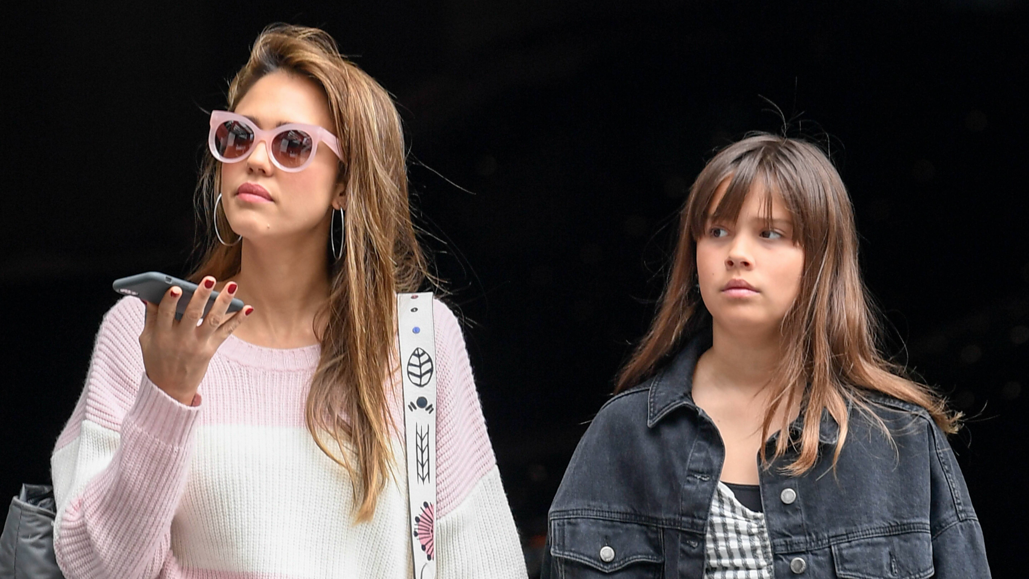 Jessica Alba and daughter Honor pick up groceries at Gelson's