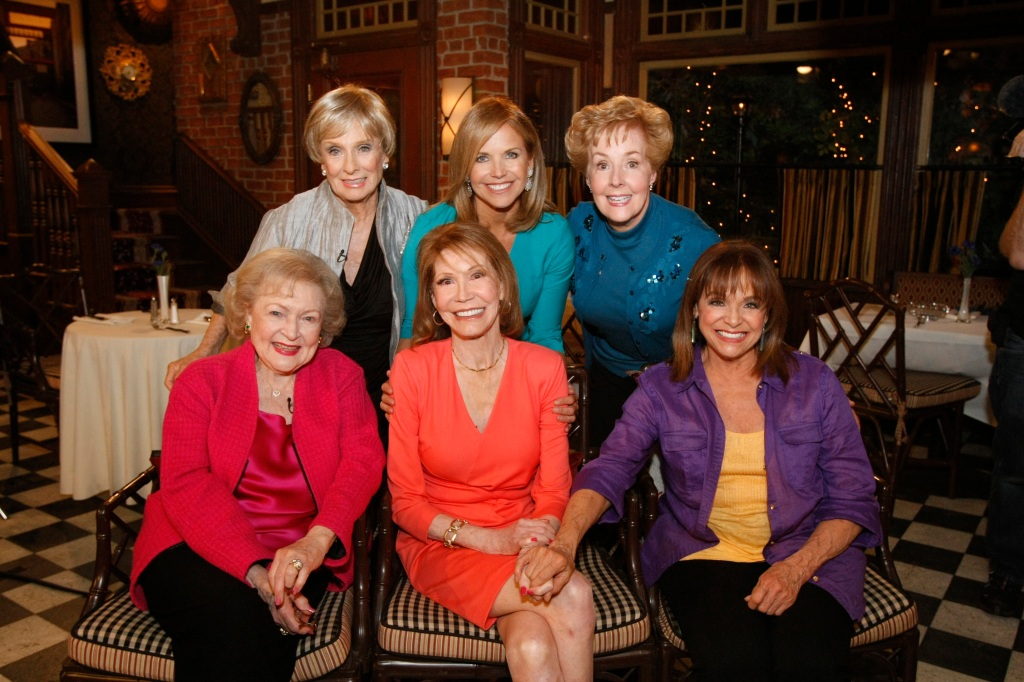 mary-tyler-moore-reunion-2