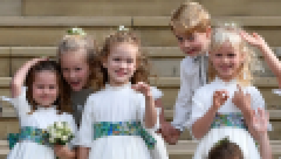 queen-elizabeth-great-grandkids-wedding