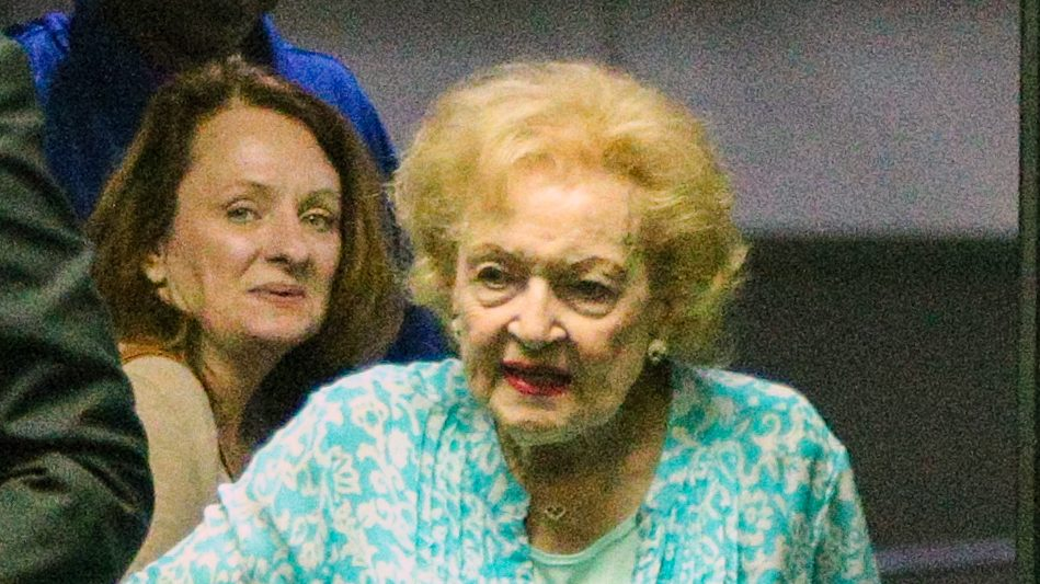 betty white steps out in rare public outing and looks great