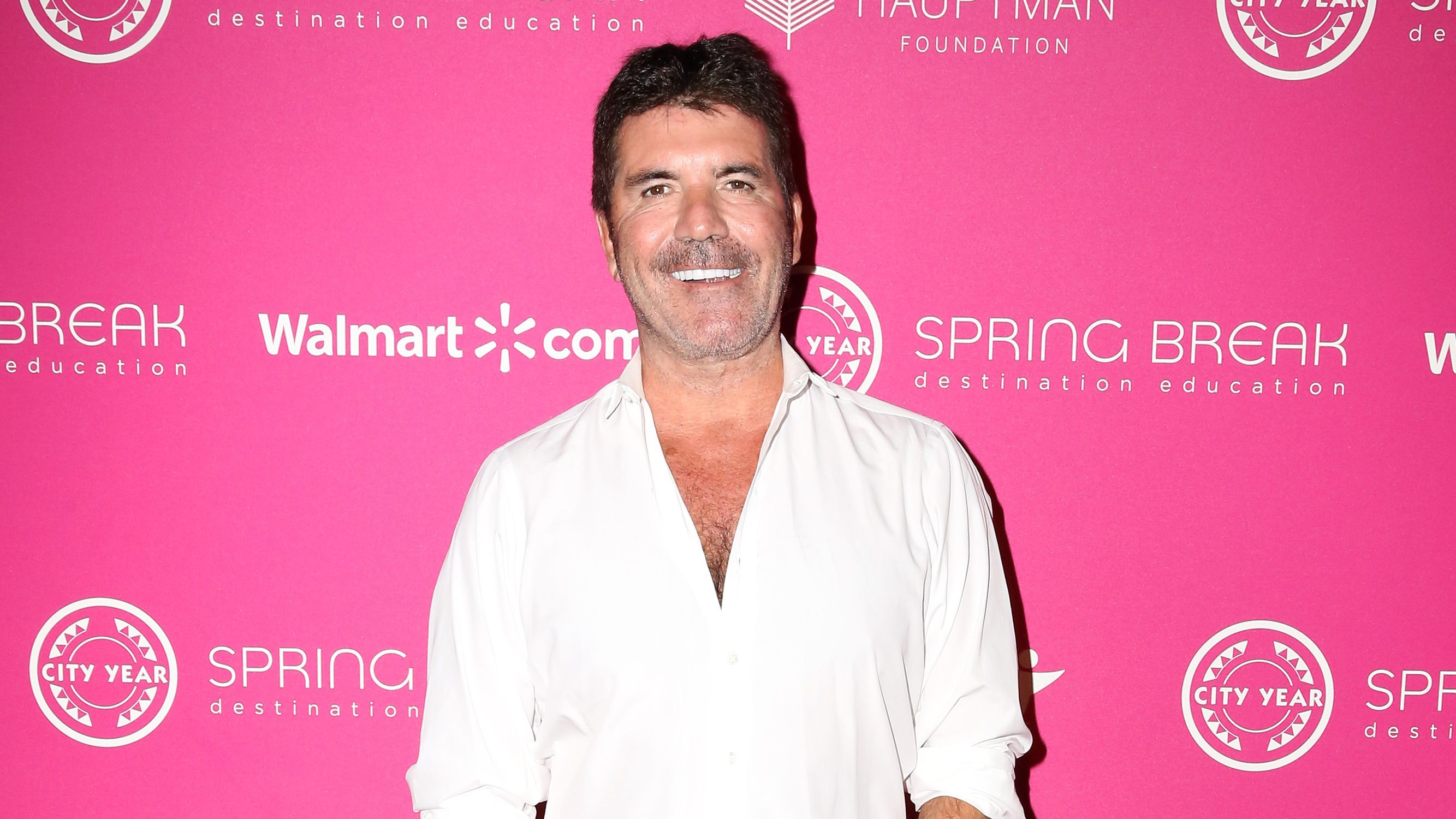 Simon Cowell Reveals He Lost 20 Pounds on Vegan Diet But Finds It 'Really Hard' to Not Eat Pizza