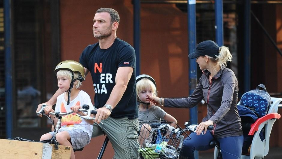 Liev-Schreiber-naomi-watts-bike-riding-sons-sam-sasha