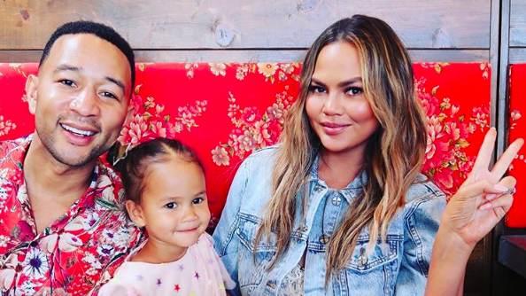 Cute!Chrissy Teigen's Daughter Luna Makes Her 'Saturday Night Live' Debut As 'Host'