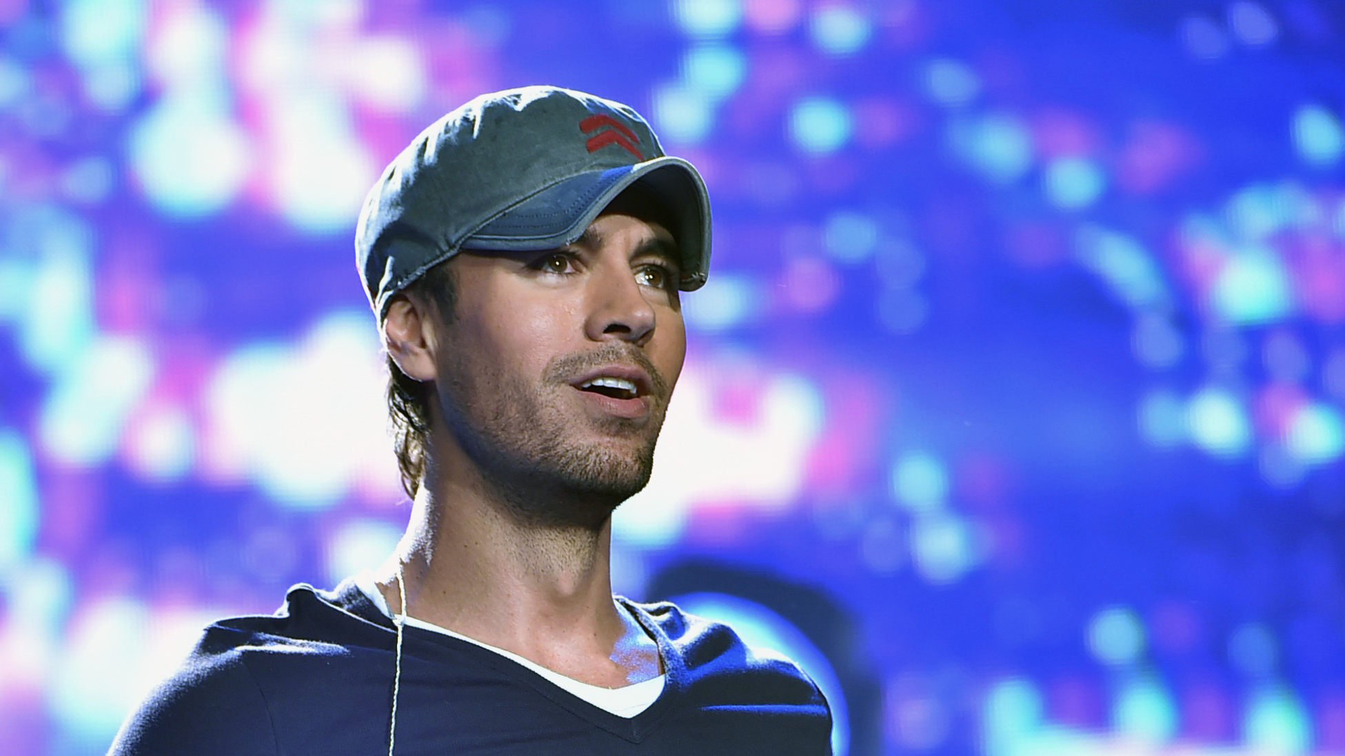 Enrique Iglesias Makes 17-Month-Old Twins Nicholas and Lucy Giggle in Rare Instagram Clip — Watch!
