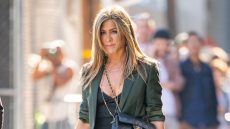 jennifer-aniston-wears-green-blazer-while-visiting-jimmy-kimmel-live