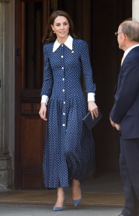kate-middleton-polka-dot-blue-dress-Bletchley-Park-D-Day-Exhibition