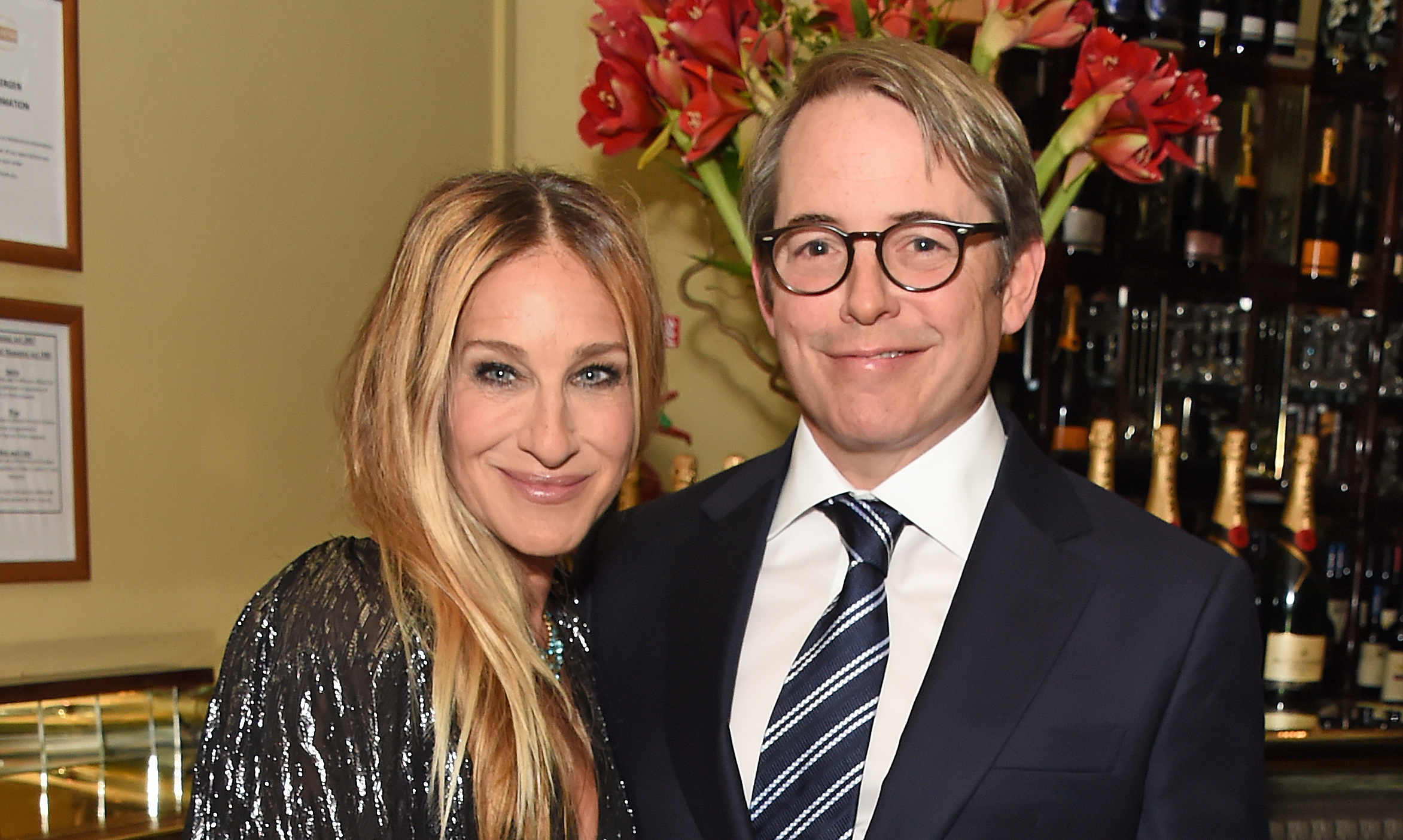 AwwSarah Jessica Parker and Husband Matthew Broderick Pack on the PDA at London Event
